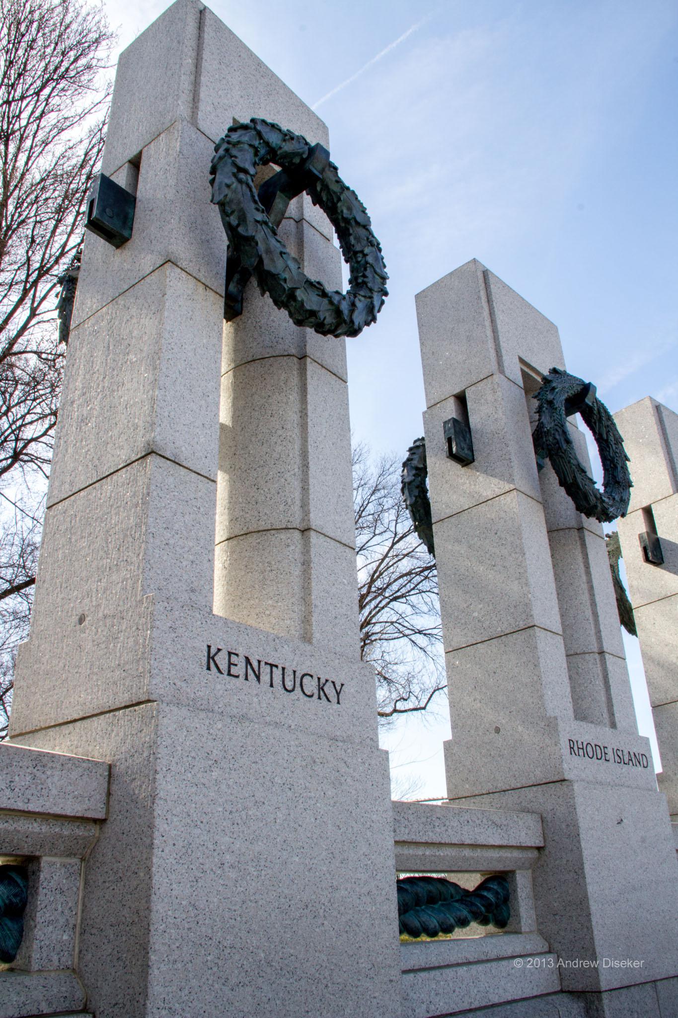 Memorial pillar for states of Kentucky and Indiana